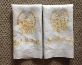 PAIR Linen EMBROIDERED Hand TOWELS 21 x 15 vintage