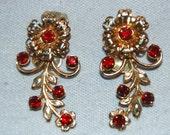 Vintage / Earrings / Rhinestone / Red / Gold / old / jewellery / jewelry