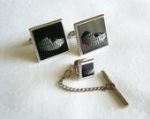 Vintage Roman Coliseum Cufflinks Set w/ Tie Tack - Pewter Finish w/ Black Background Design - Silver Tone Metal