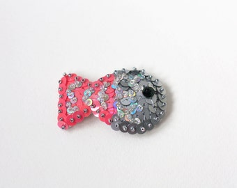 Sequin Fish Brooch, Pink Grey Fish, Sparkle Fish scale, Felt Modern Embroidery, Water Animal Jewelry, Statement Pin Kawaii, Nautical Brooch