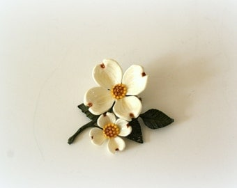 Vintage 1950s Brooch - 50s White Dogwood Pin