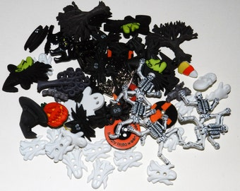 Large assortment of Halloween craft buttons (50+ buttons)