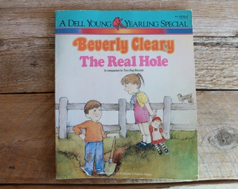 """Vintage 1986 Beverly Cleary Book, """"The Real Hole"""""""