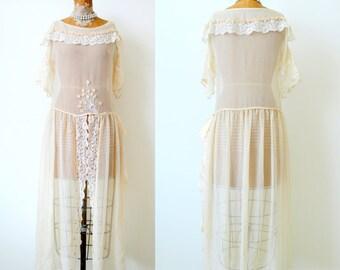 Exquisite Vintage 1920s Cream color Silk Lace dress/Tambour tulle lace/ Ribbonwork rosettes/Vintage wedding/Bridal