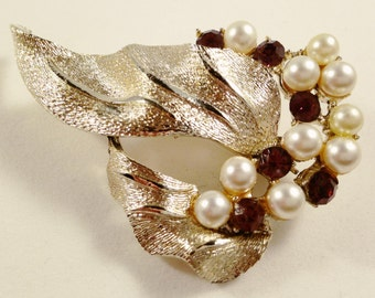 Clearance Coro Rhinestone Brooch, Vintage Jewelry, Rhinestone Jewelry, Coro Pin, Faux Pearl Vintage Brooch, Coro Pegasus Jewelry, Leaf Pin