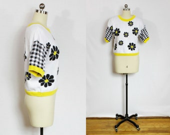 SALE - Vintage checkered daisy sweater shirt
