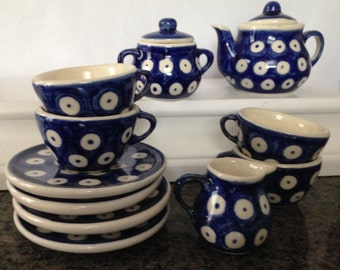 Little polka dot blue tea set