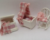 Dolls House Miniatures - Hand Painted Pretty 1/48th (1/4inch) quarter scale baby girl cot set - NEW Summer 2015