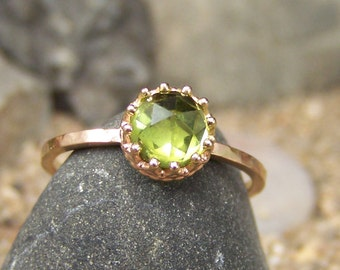 NEW DESIGN - Flora II 14k Gold- Rose Cut 6mm Peridot in Gold Open Back Crown Bezel and Hammered Band