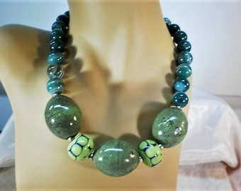 Green Striped Agate and Porcelain Statement Necklace