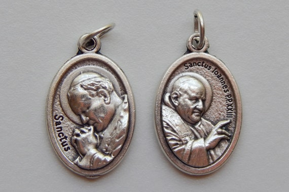 5 Patron Saint Medal Findings, Pope John Paul II, Die Cast Silverplate, Silver Color, Oxidized Metal, Made in Italy, Charm, Drop, RM1305