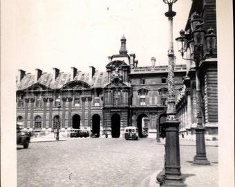 Vintage Photo, Versailles Palace, France, Black & White Photo, Found Photo, Travel Photo, Vacation Photo, Snapshot, Old Photo *AUGUSTINE0394