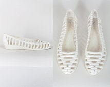 Vintage 80s Shoes / 1980s Minimalist White Cage Jelly Flats 6.5 7