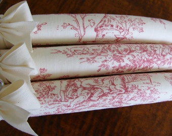 Toile Hangers, Pink Toile Padded Hangers, Padded Hangers, Bridesmaid Toile Hangers, Toile de Jouy Hanger Set, Pink Toile de Jouy Hangers
