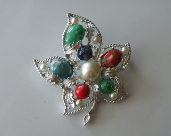 20% off Sarah Coventry leaf brooch pin. Faux pearl, glass cabochons, silver plated