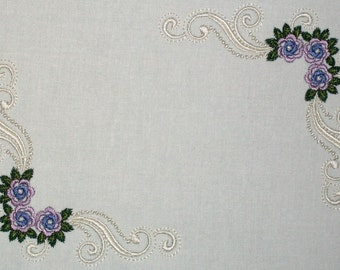 Floral filigree embroidered quilt label, to customize with your personal message