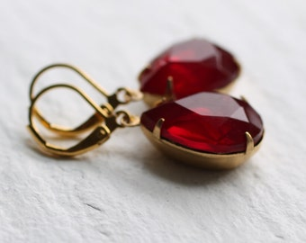 Ruby Red Earrings Teardrop Pear Vintage Glass Jewel Stones in Brass Gold Setting