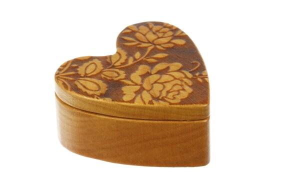 "Rose Design Heart Shaped Box, deep, 2-1/4""  x  2-1/4"" X 1"" d, Deep Solid Cherry Wood, Pattern H11 Engraving, Paul Szewc"