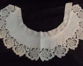 Vintage Collar with Lace - Child Size