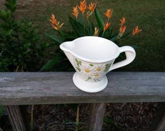 On Sale Metlox Daisy Creamer Serving Pitcher Daisy Sculptured Pattern Poppy Trail Yellow Flower