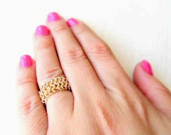 Simple everyday gold chain ring. Christmas gift ideas.