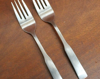 Vintage Stainless Flatware: PLYMOUTH COVE fiddle flatware BIN 43