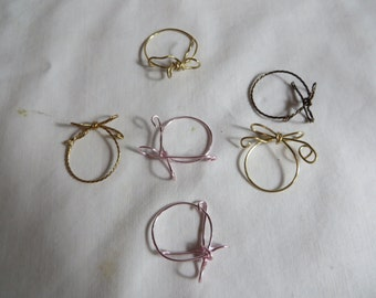 Forget Me Knot Rings - Eight Goldtone