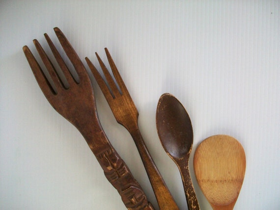 rustic wooden forks and spoons wooden kitchen decor rustic. Black Bedroom Furniture Sets. Home Design Ideas
