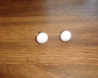 vintage screw back earrings white glass