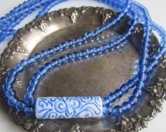 Blue Bead Necklace ./. Blue White Center ./. Collier Bleu ./. Clear Blue Beads ./. Two Strand Necklace ./. Bright Blue Beads ./. Beach Party