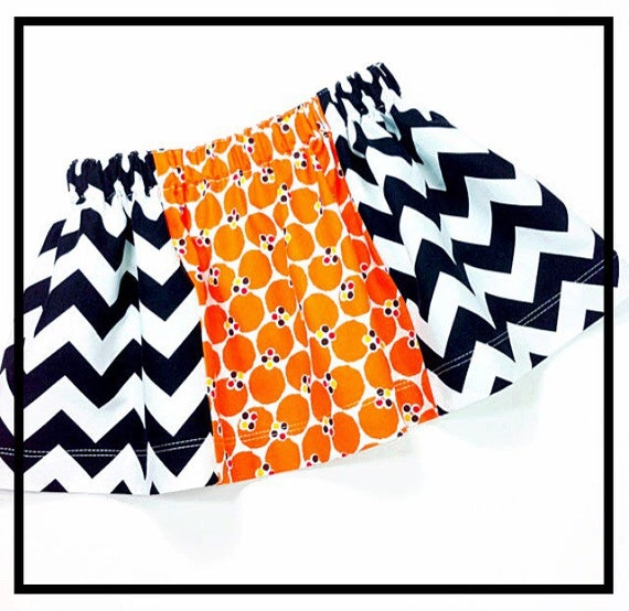 Girls Halloween Skirt , Black White Chevron , Orange Dot ,  Photo Prop , Trick or Treat Skirt , Twirl Skirt for Toddler Girls