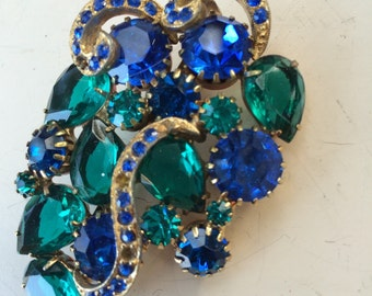 Vintage 1950s blue and green glass brooch