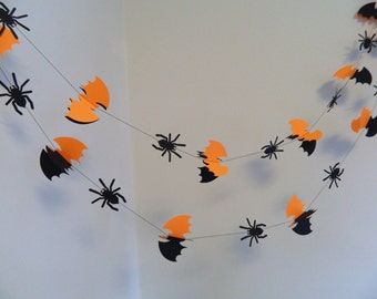 Halloween Spiders and Bats Garland  / Halloween decorations / 8ft Black & orange Spiders and bats / Halloween Party Decor /Halloween Garland