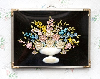 Sea Shells Arts and Crafts Bouquet - Antique Domed Glass Frame Ca early 1900s