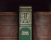 H. G. Wells - The Time Machine; The War of the Worlds; The Island of Doctor Moreau bound in faux leather