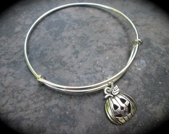 SPECIAL Silver Pumpkin adjustable wire bangle bracelet with Pumpkin Jack o Lantern charm Halloween bracelet