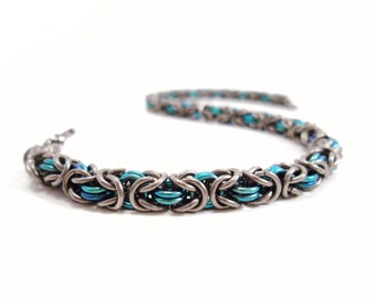 Niobium Chainmail Bracelet Micro Byzantine in Gunmetal and Teal