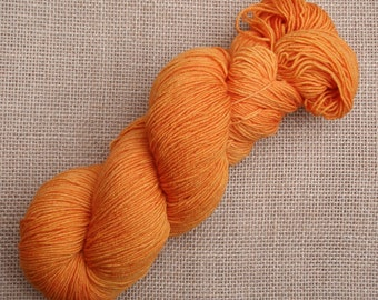 """Hand dyed British Bluefaced Leicester/nylon sock yarn in """"Direction and magnitude"""""""