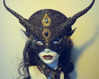 Gothic Venetian mask & collar