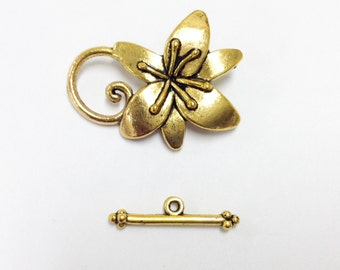 2 gold Plated flower Toggle Clasps