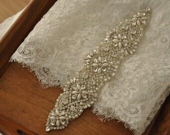 Crystal Bridal Sash Applique, Bridal Applique, Wedding Applique, Pearl Beaded Applique, Wedding Belt