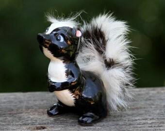 Skunk Figurine - Enesco - Vintage 1950's