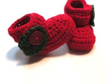 Fall crochet apple baby booties. Apple orchard photography prop.  Fall booties for infant.  Made to order.