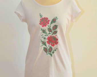 Embroidery Roses on White t shirt embroidery roses flowers new design women t shirt Woman T-Shirt with embroidery Roses Flower t shirt