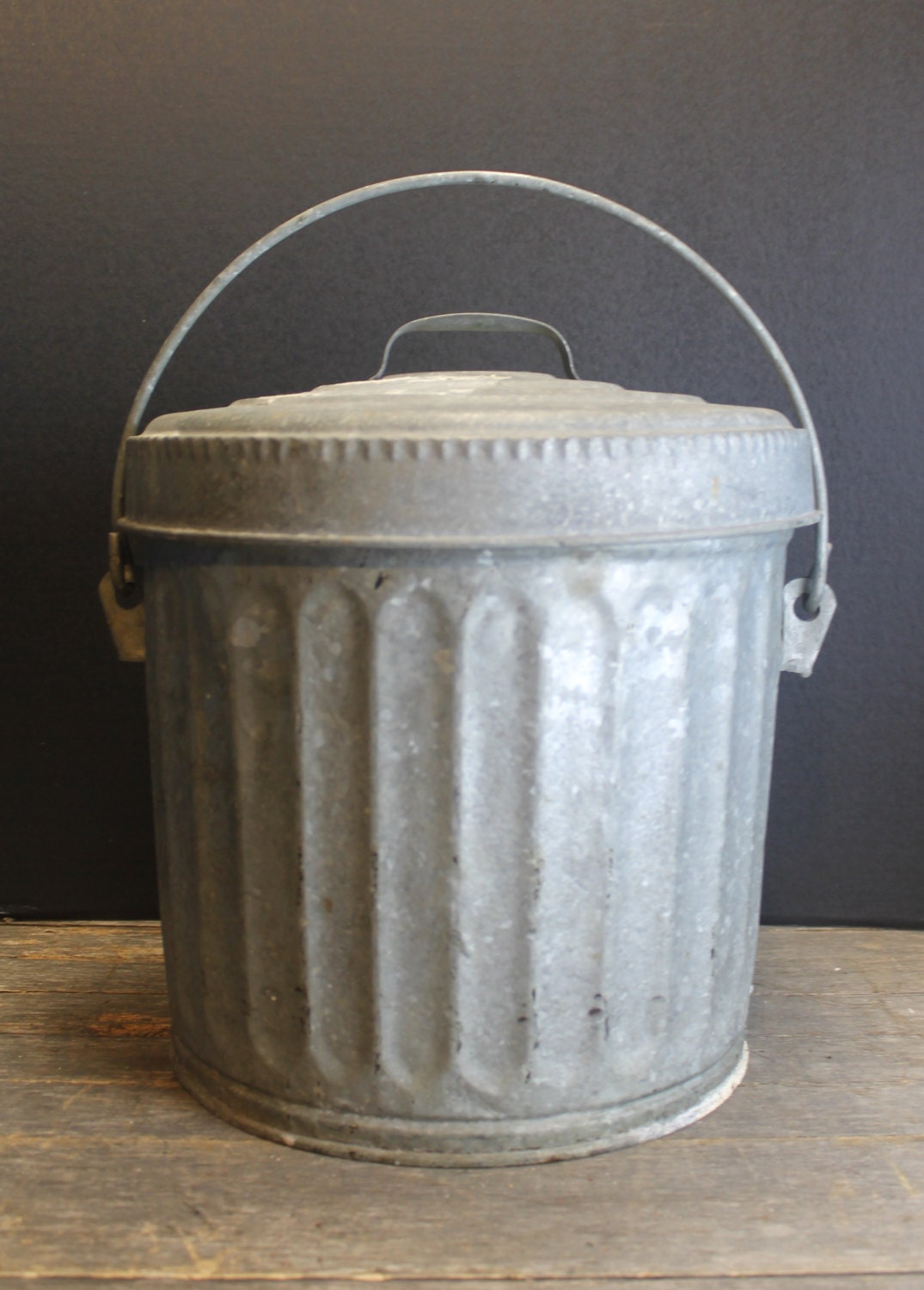 Vintage galvanized metal wheeling garbage bin storage can lid small haute juice - Small trash can with lid ...