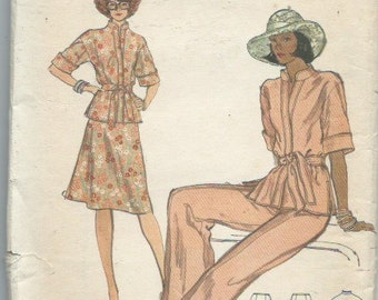 Vintage Misses' Sportswear Sewing Pattern Top Skirt and Belt Vogue 9136