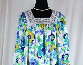 Vintage Nightgown Dutchmaid Blue and Green Floral Medium