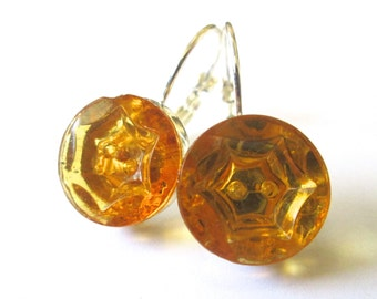 AMBER vintage button earrings, faceted glass buttons, silver lever backs
