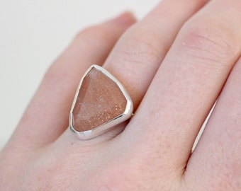 Peach Moonstone Ring, Gemstone Ring, OOAK Ring, Ring Size 6 US, Hand Fabricated Ring