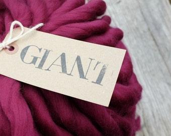 "Handspun Yarn - 10,5 oz / 300gr -Superfine Merino wool - Blanket yarn -Super Chunky Yarn ""RUBIS"""